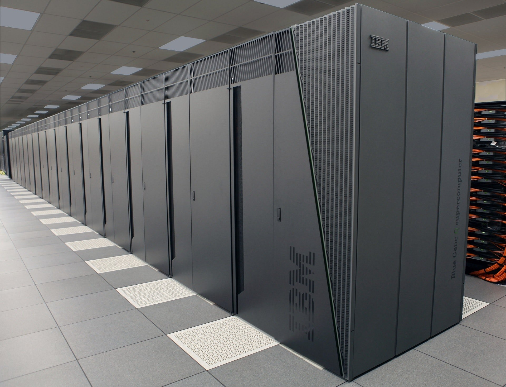 petabyte-server-data-center